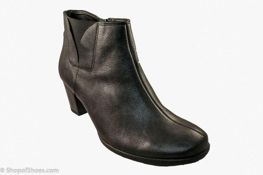 Warm lined leather winter ankle dress smart boot. Available online with free postage or from our Whitchurch Hampshire shop between Basingstoke, Andover Winchester and Newbury Berkshire.